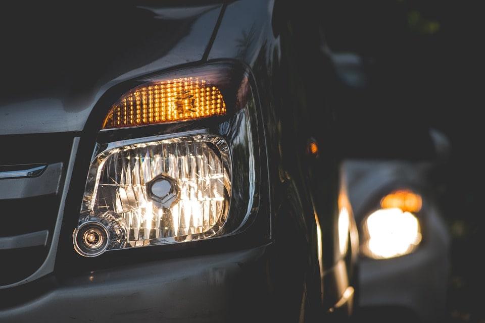 Tipos de luces del coche y para qué usarlas